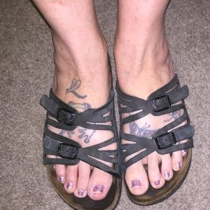 GREAT CONDITION!! BIRKENSTOCK REAL LEATHER SANDLES